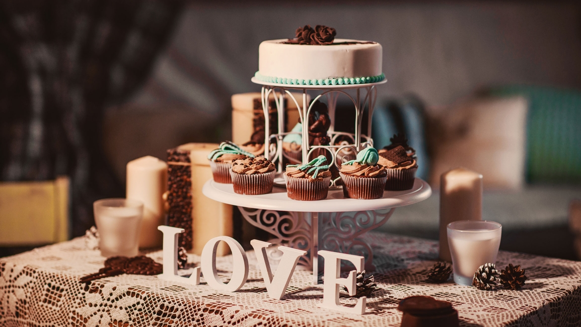 Cakes and Aweet Bars